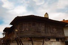 NESEBAR BUŁGARIA, Luty, - 05, 2017: Bułgarscy domy w miasteczku Nesebar W 1956 Nesebar oznajmiał jako muzealny miasto, a Obrazy Stock