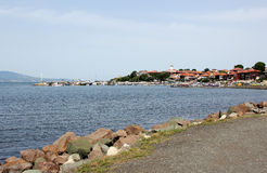 Nesebar, Bulgarien Seeseite und alte Stadtansicht Stockfoto
