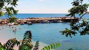 Nessebar пристань побережья Болгарии, Чёрного моря в старом городке Стоковое фото RF
