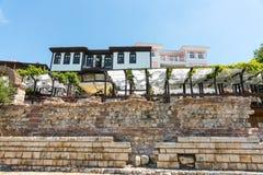 Nessebar Alte Steinterrassen auf dem Damm des Schwarzen Meers, Bulgarien Lizenzfreies Stockfoto