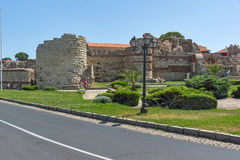 NESSEBAR, BULGARIA - 30 LUGLIO 2014: Rovine antiche nella città di Nessebar, Bulgaria Immagine Stock Libera da Diritti
