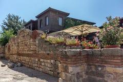NESSEBAR, BULGARIA - 30 LUGLIO 2014: Steet in vecchia città di Nessebar, Bulgaria Fotografia Stock Libera da Diritti
