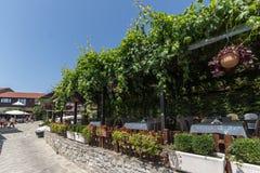 NESSEBAR, BULGARIA - 30 LUGLIO 2014: Steet in vecchia città di Nessebar, Bulgaria Fotografia Stock