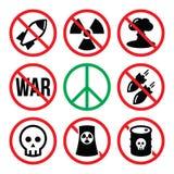 Nessun'Arma nucleare, nessuna guerra, nessun segnali di pericolo delle bombe Fotografie Stock Libere da Diritti
