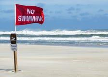 Nessun avvertimento di nuoto Immagini Stock