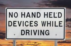 Nessun dispositivi tenuti in mano mentre guidando Fotografia Stock Libera da Diritti