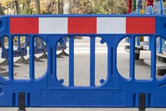 Nessun'entrata, segno di proibizione sulla strada immagine stock libera da diritti