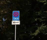 Nessun parcheggio, area del taxi Fotografie Stock