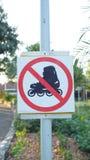 Nessun pattinaggio a rotelle - segno Immagini Stock