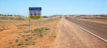 Nessun segno bevente Coober Pedy Australia Fotografia Stock