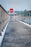 Nessun segno dell'entrata sul cancello del ferro Fotografie Stock Libere da Diritti