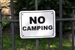 Nessun segno di campeggio immagine stock libera da diritti