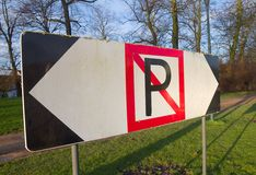Nessun segno di parcheggio per le barche a Bruges, Belgio Immagine Stock