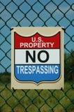 Nessun segno trasgredicente. Proprietà di governo degli Stati Uniti Fotografia Stock Libera da Diritti
