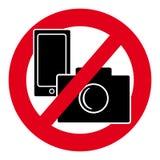 Nessun simbolo del telefono cellulare e della macchina fotografica su fondo bianco Fotografia Stock Libera da Diritti