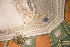 NESVIZH, BIELORRUSIA - 20 de mayo de 2017: Detalles y elementos del interior de un castillo medieval en Nesvizh Fotos de archivo libres de regalías