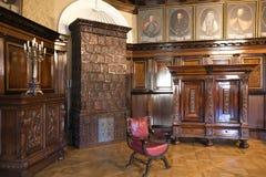 NESVIZH, BIELORRUSIA - 20 de mayo de 2017: Detalles y elementos del interior de un castillo medieval en Nesvizh Foto de archivo libre de regalías