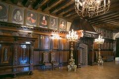 NESVIZH, BIELORRUSIA - 20 de mayo de 2017: Detalles y elementos del interior de un castillo medieval en Nesvizh Imágenes de archivo libres de regalías