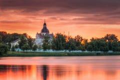 Nesvizh, regione di Minsk, Bielorussia Corpus Christi Church And Castle Fotografia Stock