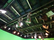 Net van lichten in een televisiestudio stock afbeeldingen