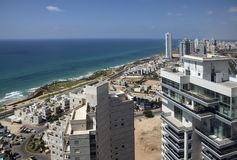 Netanya, Ισραήλ, άποψη της νέας σύγχρονης περιοχής στοκ φωτογραφία