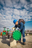 Netbeheerder in olie en gasproductie Royalty-vrije Stock Foto