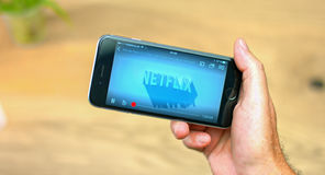 Netflix app no dispositivo móvel Fotos de Stock
