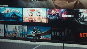 Netflix app op Slimme TV van LG stock videobeelden