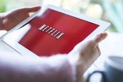 Netflix en la PC de la tableta Fotografía de archivo libre de regalías