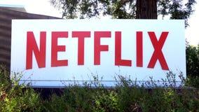 Netflix företags högkvarter och logo lager videofilmer