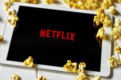 Netflix i en minnestavladator Royaltyfri Bild