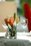 Nett auf Tabelle in einer Gaststätte Stockbilder