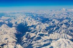 Nett von der Vogelperspektive von Himalaja-Strecke auf dem Weg zu Leh Ladakh Indien lizenzfreies stockfoto