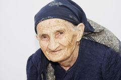 Nette ältere Frau stockfotografie