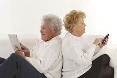 Nette ältere Paare Stockbilder