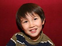 Nette 3 und halbe Jahre alte Junge Lizenzfreie Stockfotos