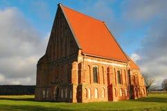 Nette alte frühe gotische Kirche Stockfotografie