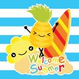 Nette Ananas und Sonne sind am Strand auf gestreifter Hintergrundkarikatur, Sommerpostkarte, Tapete und Grußkarte, T-s glücklich lizenzfreie abbildung