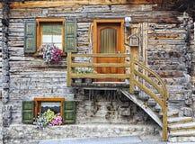 Nette Blockhaus-Wohnung Lizenzfreie Stockbilder