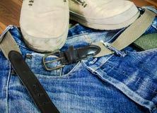 Nette Blue Jeans in der Weinleseart Lizenzfreie Stockbilder