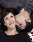 Nette entzückende Paare lizenzfreie stockfotografie