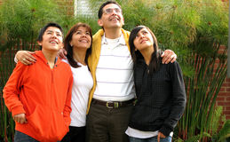 Nette Familie Lizenzfreie Stockfotos
