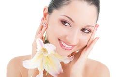 Nette Frau mit Blume stockbilder
