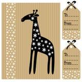 Nette Geburtstagsbabyparty-Karteneinladung und Namenaufkleber mit Giraffe und Blumen, schwarze weiße Illustration Lizenzfreie Stockbilder