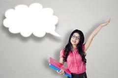 Nette Geschäftsfrau- und Spracheblase Lizenzfreies Stockfoto