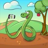 Nette grüne Schlange macht selfie Stockfoto