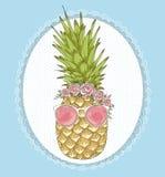 Nette Hippie-Ananas mit Sonnenbrille und Blumen Lizenzfreies Stockbild