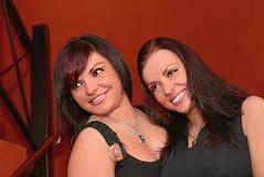 Nette junge glückliche Frauen Stockfotografie