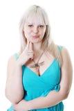 Nette junge pralle Blondine stockfoto
