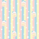Nette Karikaturkleine kuchen auf Muster-Hintergrundillustration der bunten Streifen nahtloser Stockbild